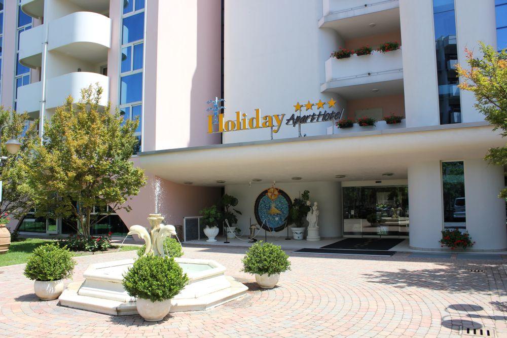 Holiday Aparthotel